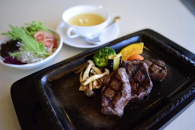 能登牛ステーキ三種盛ランチコース